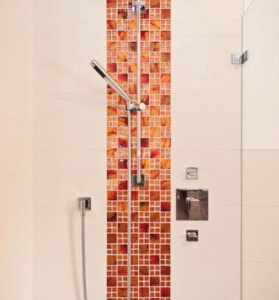 Fliese in der Dusche