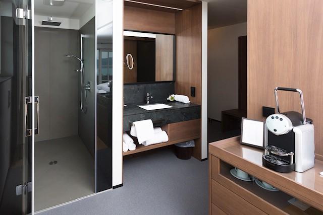 Großformat Fliese Hotel Zimmer