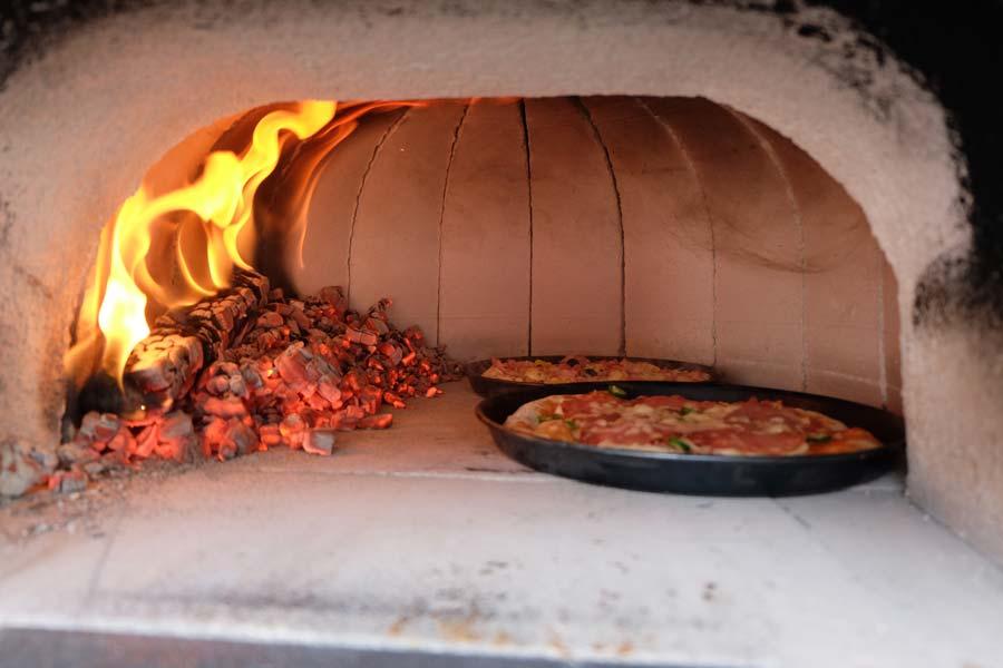 Pizza-und-Feuer