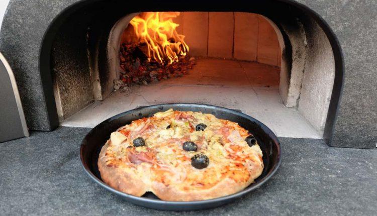 Feuer-im-Brotbackofen